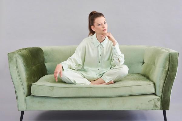 Bettgeschichten Pyjama Oberteil Grün Rücken länger