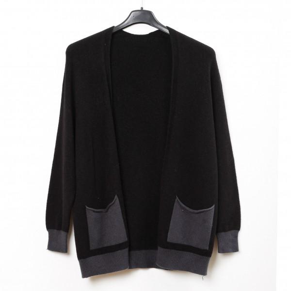 Strickjacke schwarz ohne Verschluss mit abgesetzten Taschen und Bündchen in grau