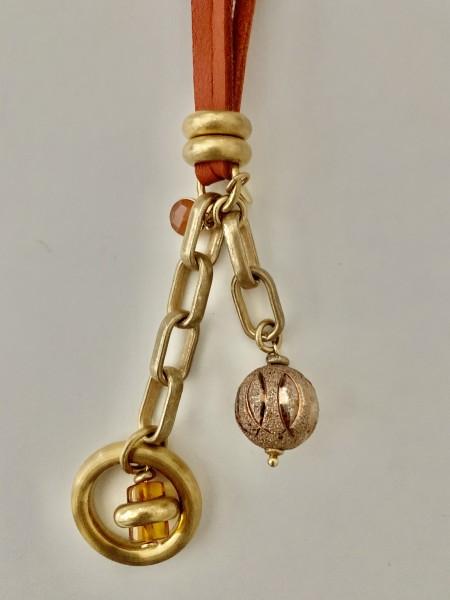 Lederkette cognac vergoldeter Ring mit Bernstein